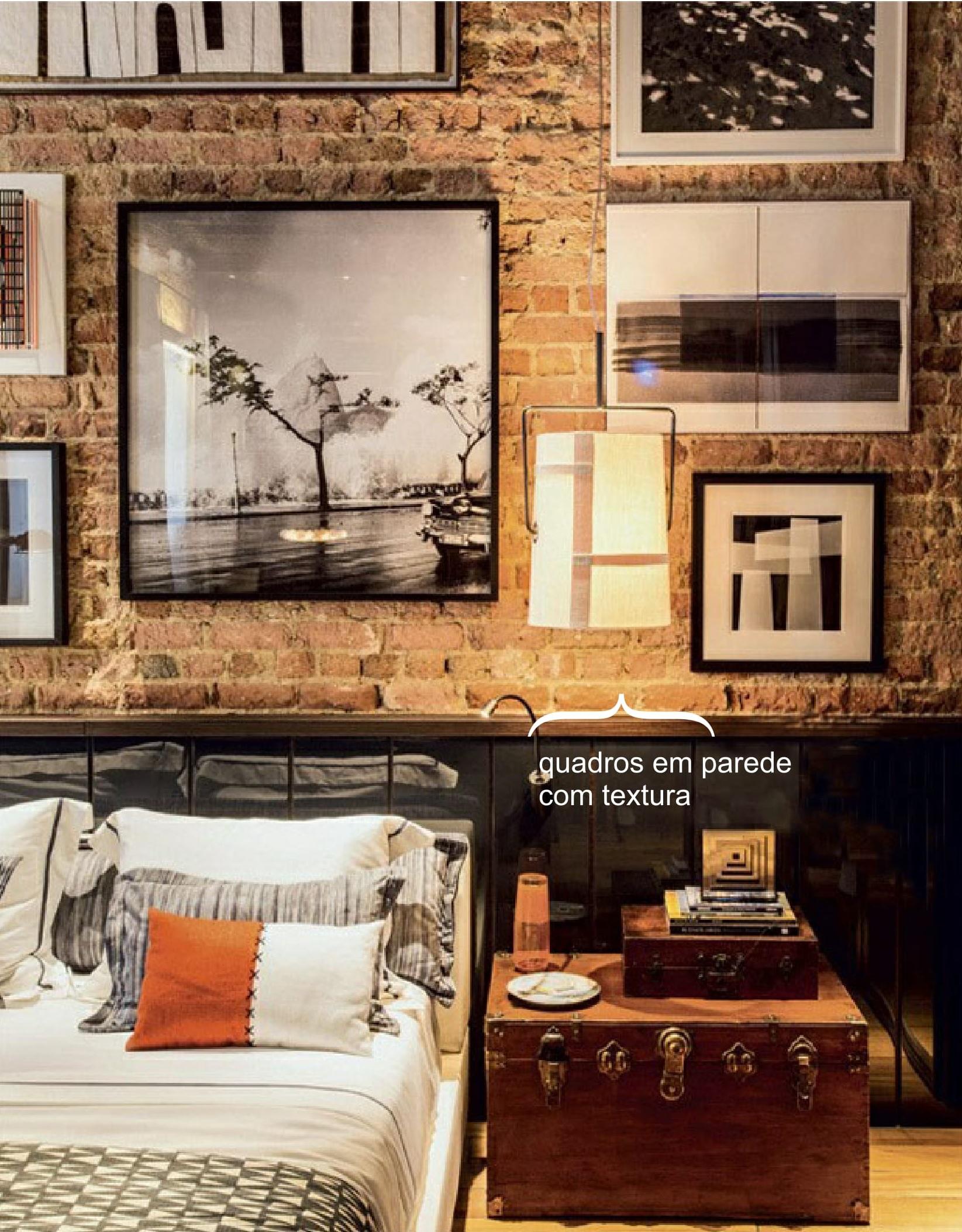 Quadros em parede com textura